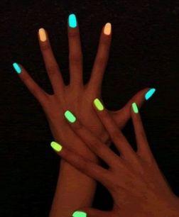 """Украшение для дизайна ногтей """"Светящийся(неоновый) песок."""""""